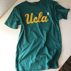 UCLA T-shirt green with yellow logo